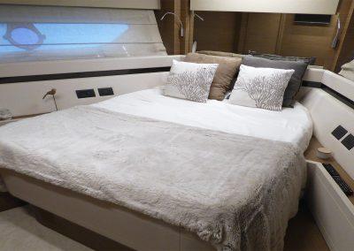 cabine-lit-bateau-ferretti-550